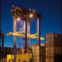 Konecranes Straddle Carrier Night