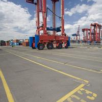 Konecranes Straddle Carrier